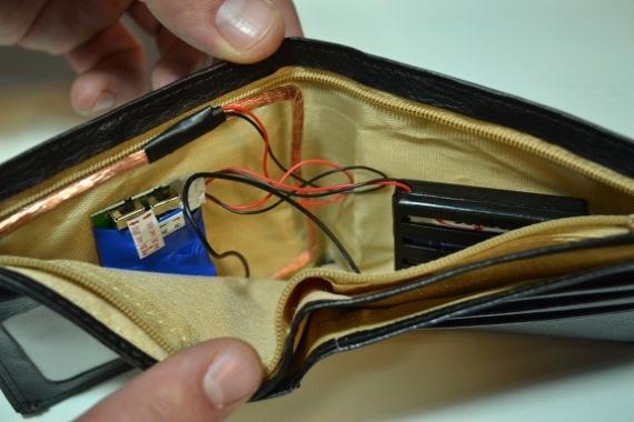 Устройство микронаушника с бумажником